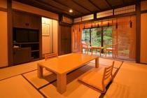 和室8畳+2畳(日本庭園+池の眺め