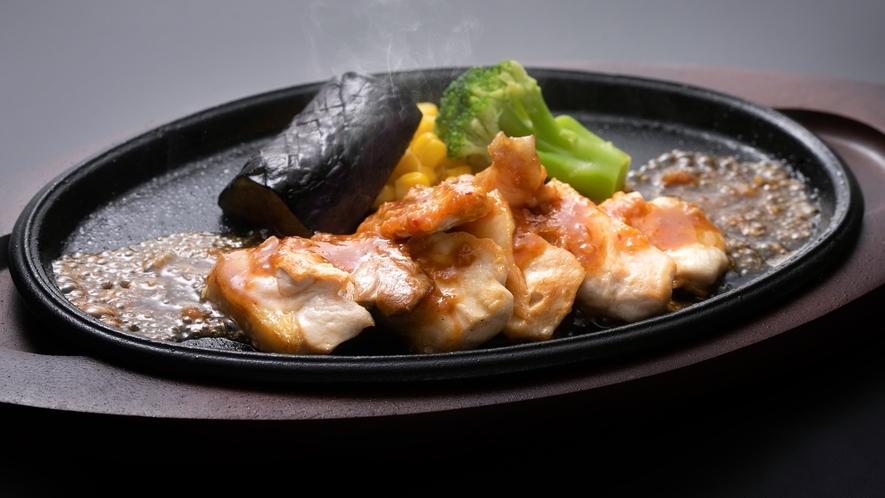 【追加料理】比内地鶏の特製味噌だれ鉄板焼き