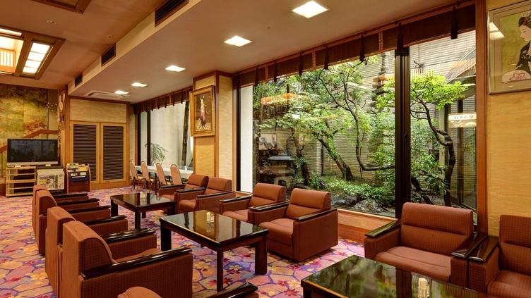 *【ロビー】京都らしい和の雰囲気の、広々としたロビー
