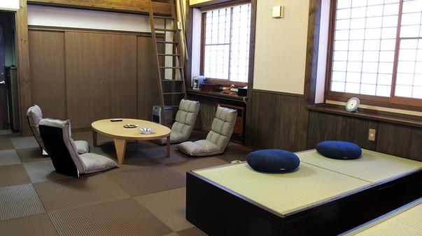 別棟(中)・和室「伽羅20畳」畳ベッド付き(階段利用あり)