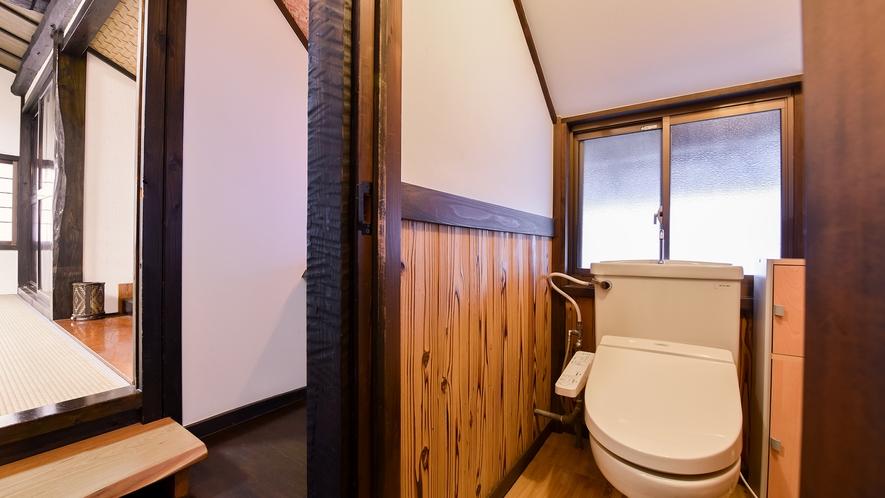 *和室8畳トイレ付(さくら)【2階】/客室より一段低くなっています