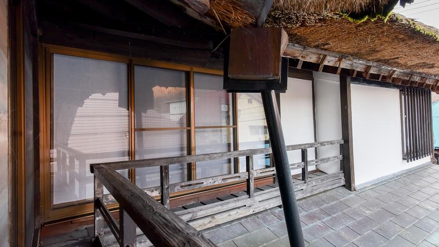 *和室8畳トイレ付(さくら)【2階】/きくのお部屋の窓。窓越しのおしゃべりも楽しみのひとつでした
