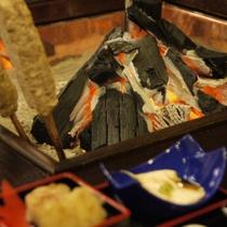 *炭火の温かさに包まれていただくお食事はまた格別・・・★
