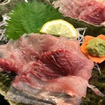 *【夕食一例】新鮮だからこそ味わえる鯉の刺身