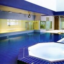 ■天然温泉室内プール&ジャグジー