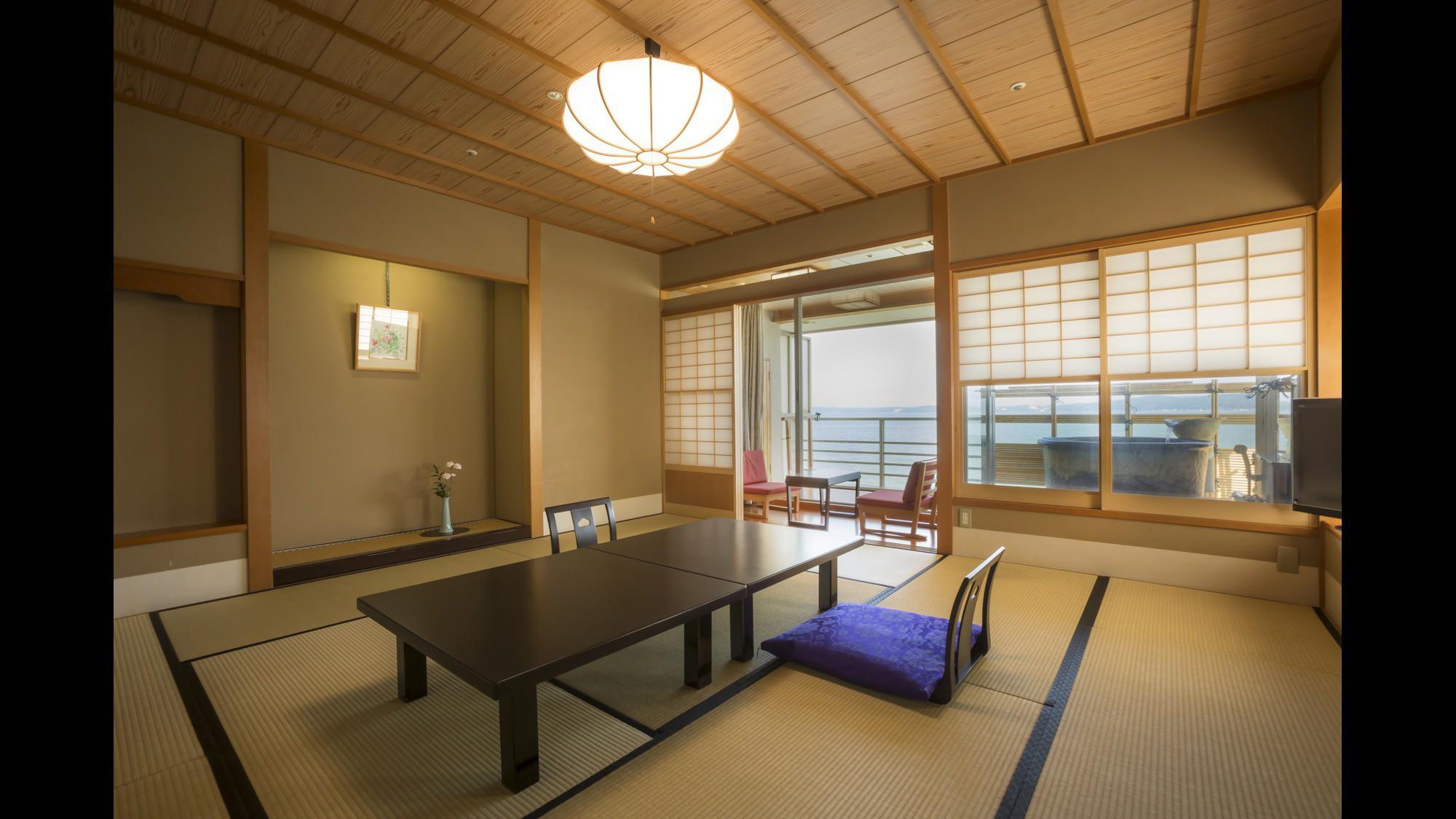 【白鵬3F】信楽焼露天風呂付客室の露天風呂