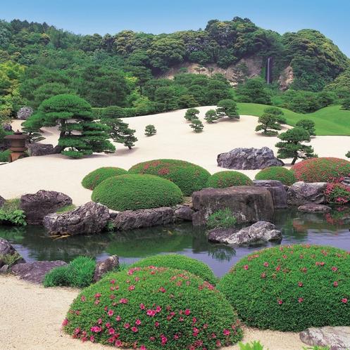 足立美術館(春の庭園)①