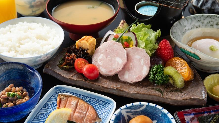 *朝食/朴葉みそ焼きの付いた和朝食です。朝からしっかり食べてパワーをチャージ!