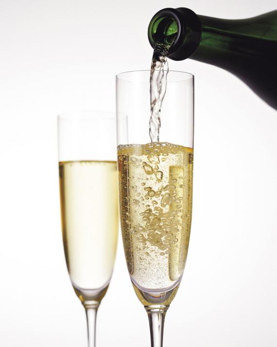 【8001000】スパークリングワインで乾杯(イメージ)