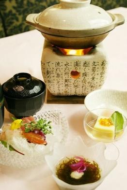 夏の2食付プラン 「和食・洋食から選べるディナー」と「朝食」2食付(14時アウト)