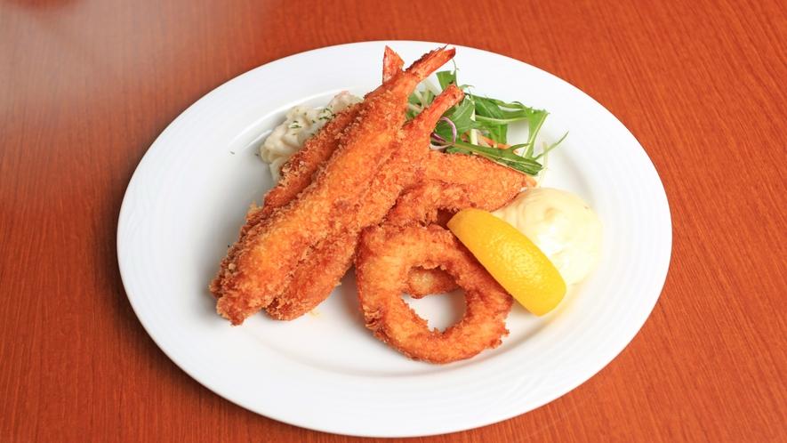 【ランチ・ディナー】エビフライ