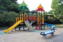 公園の子供遊具