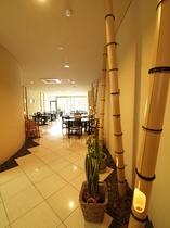 竹の意匠が特徴のレストラン
