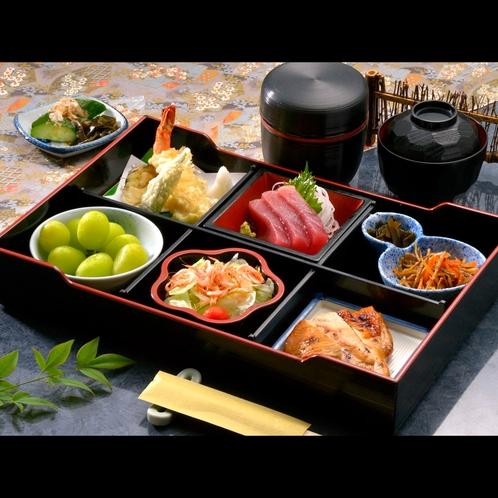 ☆松花堂弁当☆夕食はカジュアルに済ませてお得に旅行♪