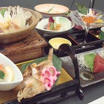*【夕食一例】お客様の目も舌もお楽しみ頂けるようこだわっております。