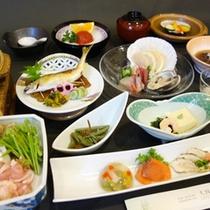 *【夕食一例】旬の味覚をたっぷりお楽しみ下さいませ。