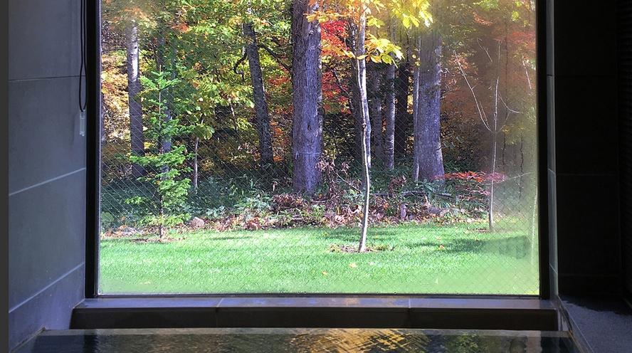 秋の朝 客室展望温泉