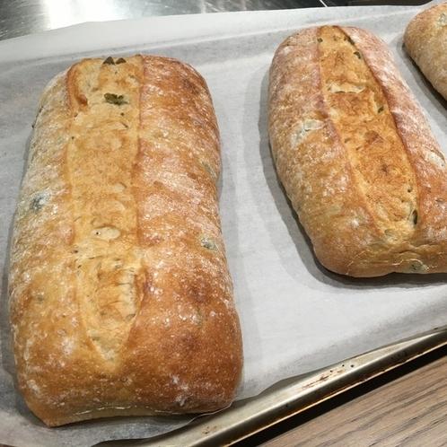 自家発酵の焼き立てパン