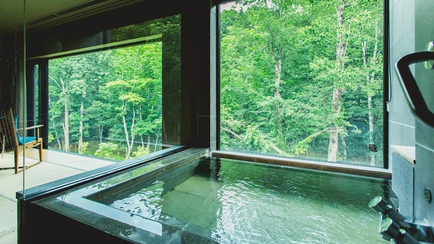 温泉は客室展望風呂で
