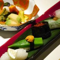 会席料理の食事一例「創作寿司」
