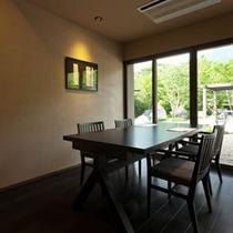 館内「DINING十和蔵」テーブル席個室