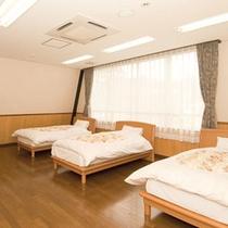 【ゲストハウスベッドルーム】