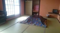 部屋12畳