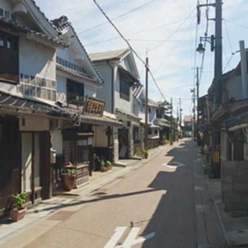 *【周辺】木綿の集散地として多くの船が往来した木綿街道は、当館から徒歩圏内です。