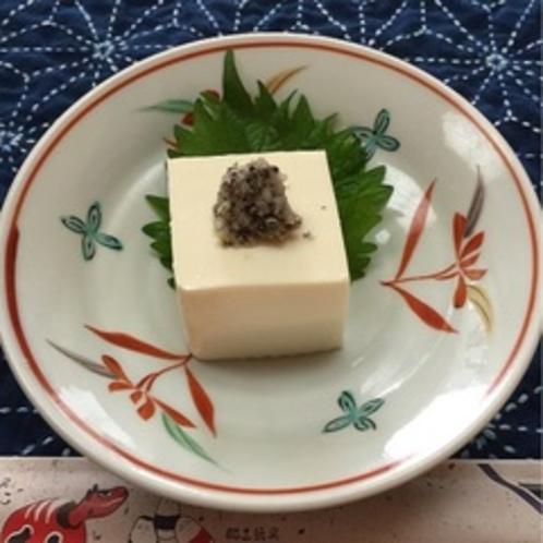女将のオリジナルレシピ。自家製の塩麹とじゅうねんの相性はバッチリ!
