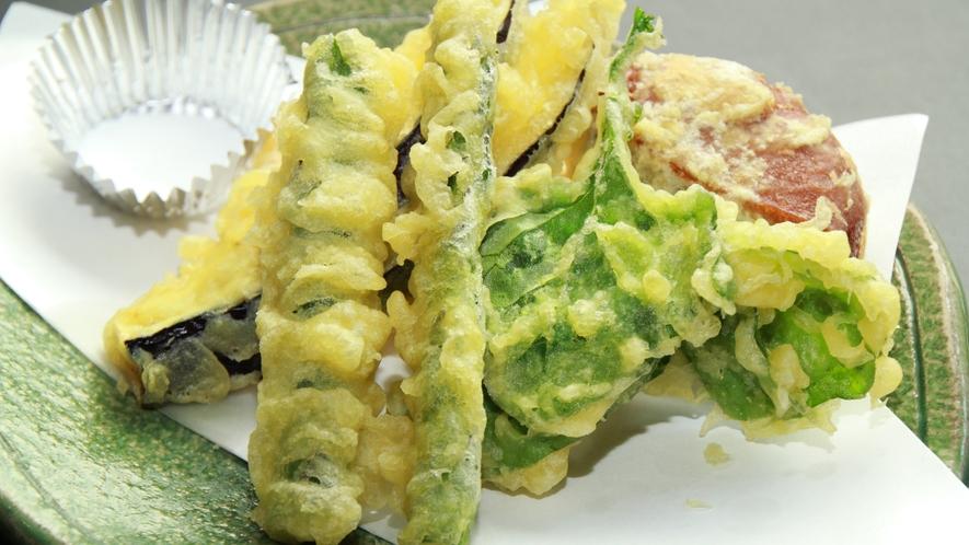 お料理例☆山菜を採りいれた天麩羅