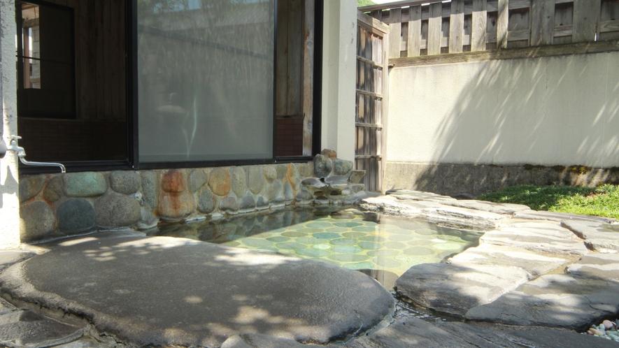 庭園付露天風呂(女風呂)