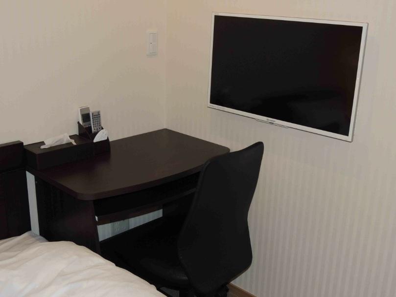 館内 Room1 OAテーブル