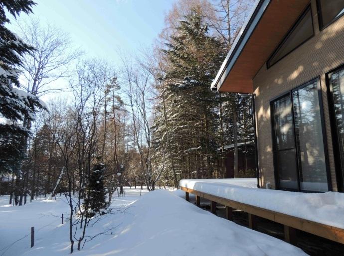 施設 テラス降雪景色
