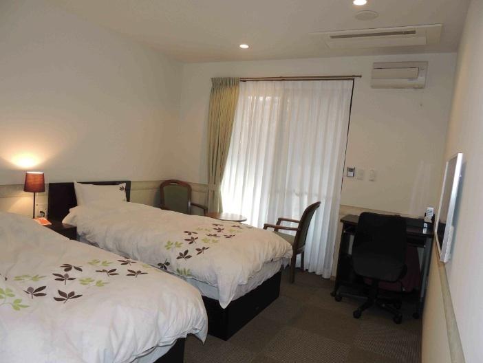 館内 Room2/Room3 ツイン洋室