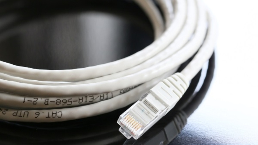 ■客室有線ケーブル完備