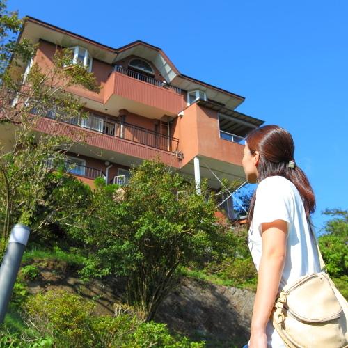箱根の山々に囲まれた静かなペンション