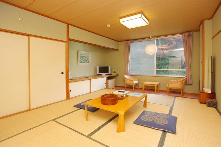 和室10畳/Japanise-Style Room with shared Bathroom