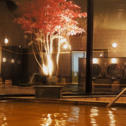 温泉(大浴場)◆年中色づくノムラモミジの箱庭