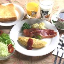 朝食一例。アメリカンスタイルです。