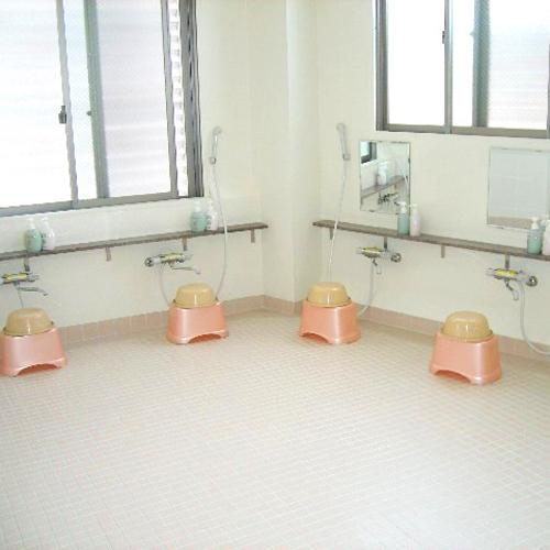 <大浴場>男女各1か所完備★入浴時間(夜):16時〜22時 ※ご希望の場合は延長も承ります。