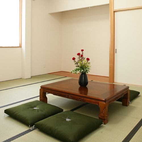 ゆっくりとお寛ぎ頂ける畳のお部屋☆(セパレートタイプのバストイレ付☆)※一部(ユニットバス)