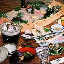 若狭の新鮮な海の幸を詰め込んだ季節の【舟盛り料理】