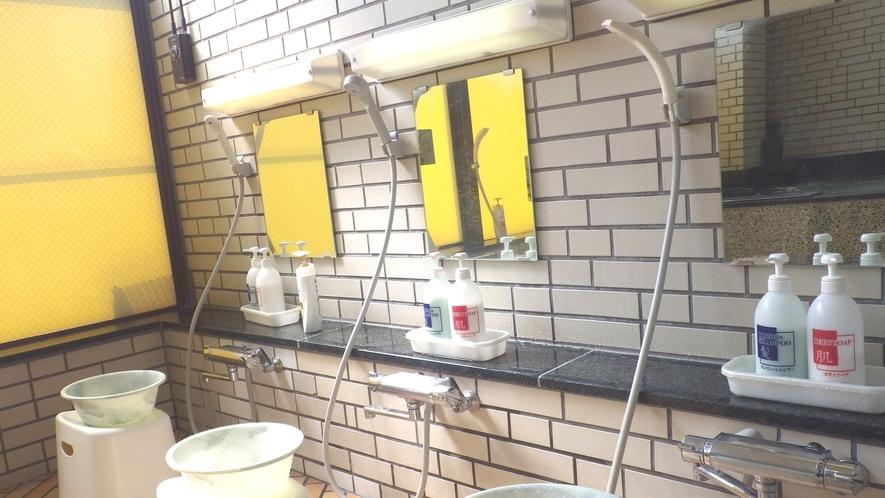 *【大浴場】洗い場もゆったり♪