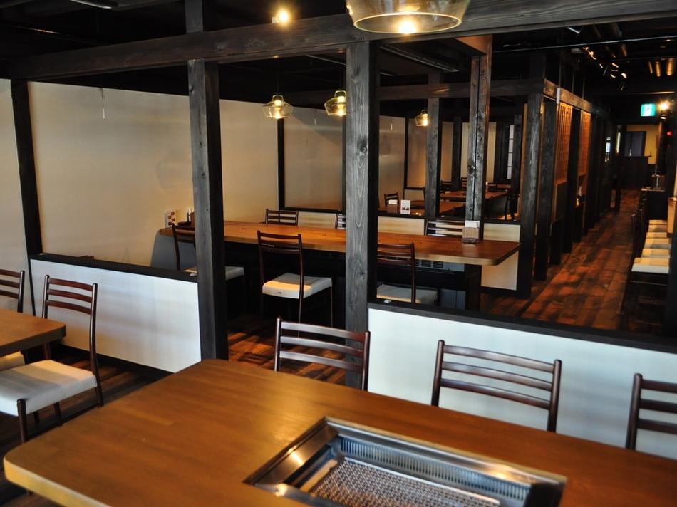 レストラン内観テーブル