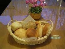 3.熱々、ホッカホカの焼き立てパン♪