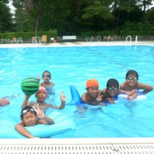 【屋外プール(夏季のみ)】夏はプールもオープンします。