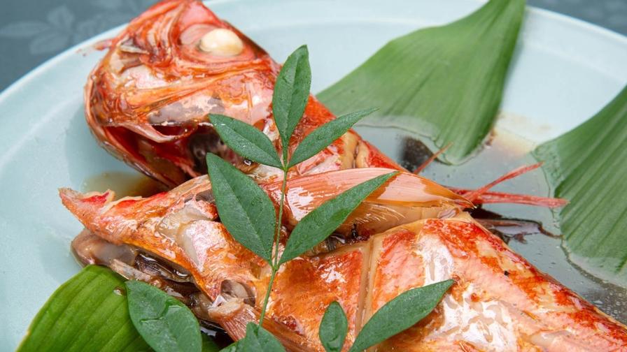 【地物金目鯛の煮付け付】スタンダード夕食にプラス1品♪伊豆ならではのグルメプラン◆天然温泉貸切♪