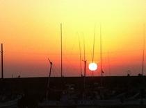 鹿家漁港の夕日