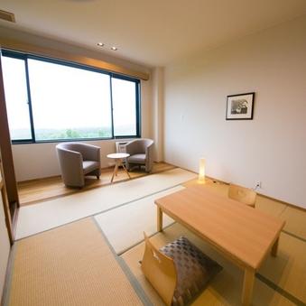 大きな窓から望む阿蘇五岳/和室(10畳+広縁)禁煙