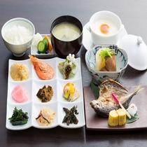 【季節の九品プレート】と定番メニューの和定食